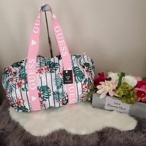 💕FLORAL-PRINT NYLON DUFFEL BAG By Guess💕